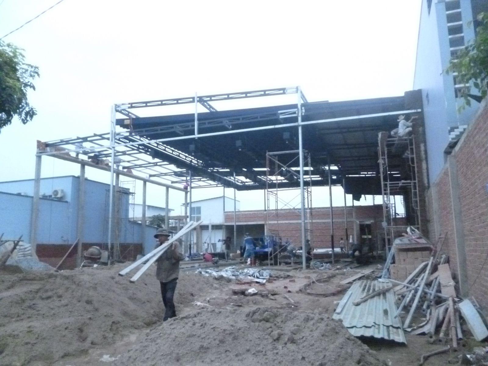 lắp đặt mái tôn nhà hang Gò Công